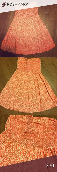 Sleeveless Sweetheart Summer Dress 👗 Super cute Sweetheart top summer/spring dress it's Never been worn brand new condition. It's a pretty bright peachy with a slight pink color. White tribal like design all over. No Boundaries Dresses Strapless