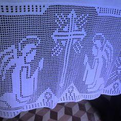 Loja do Grupo de Artesanato: Toalha para altar com renda. Cor pérola e tecido de linho.