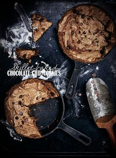 skillet-baked chocOlate chip cookies