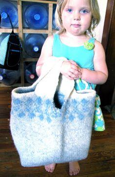 Dandelionlady: Thrifty Art Thursday: Felted Sweater Bag