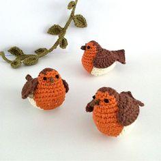 Robin Ornament / Bird Decoration / Bird Bag Charm / Christmas Decoration / Winter Decorations / Love Bird