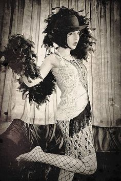 Portrait of Atelier Lili Baruch, Berlin,1927, by Hans Robertson (OMG love this outfit)