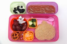 Smashed Peas and Carrots: {Halloween} Bento Lunch Ideas: Week 7 Halloween Snacks, Halloween Fun, Dried Blueberries, Homemade Applesauce, Coconut Flakes, Some Fun, Lunch Ideas, Bento, Kids Meals
