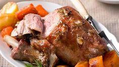 Curry Pasta Recipe with Lamb, Sweet Potato & Peas New Years Eve Dinner, Pot Roast, Roast Lamb, Pork Dishes, Greek Recipes, Sweet Potato, Turkey, Potatoes, Cooking Recipes