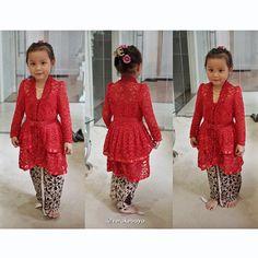 Nayla ...fitting  #kebaya #batik #fashionkids