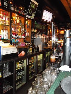 inside the Spanish Arch pub  Galway, Ireland - Irish pubs - travel - phot by annalisa andrigo