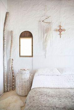 Blanc rustique et matières naturelles pour un style cottage très trendy sur @decocrush - www.decocrush.fr