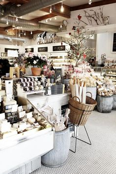 Joan's on Third, L.S. ~ photography by laure joliet for remodelista via sprk #bakery #cafe