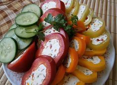 Czech Recipes, Caprese Salad, Cooking Tips, Sausage, Good Food, Food And Drink, Appetizers, Low Carb, Snacks