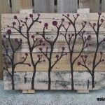 Painted pallet garden wall or wall art.  Love this, so simple.