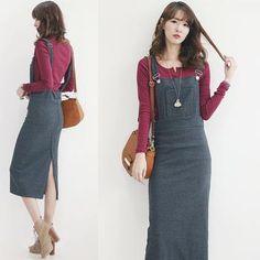 Đầm yếm dài chân váy xẻ cao  phong cách trẻ trung