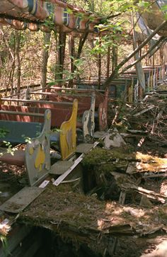 Abandoned amusement park, japan I wonder how people can just up and leave stuff like this?