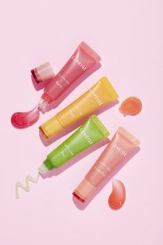 6 Exciting New Beauty Products Coming This April – College Fashion – Game Day Quotes Beauty Care, Beauty Skin, Beauty Makeup, Game Day Quotes, Natural Glowy Makeup, Gloss Labial, Fashion Eye Glasses, Perfume, Lip Mask