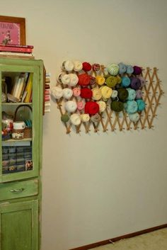 Are you drowning in yarn? If you are like most knitters and crocheters, I bet you are. Here are 16 clever yarn storage ideas to keep yarn neatly organized! Knitting Room, Knitting Yarn, Knitting Storage, Crochet Storage, Yarn Crafts, Sewing Crafts, Yarn Display, Yarn Organization, Diy Yarn Organizer