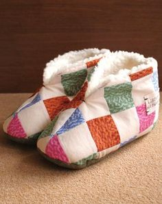 DIY Slipper Boots - Free Japanese sewing pattern. Learn how to translate and sew Japanese patterns at www.japanesesewingpatterns.com