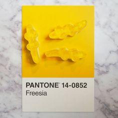 Un bonbon, une couleur Pantone | Création : © Pantone IRL - Instagram : @pantoneirl