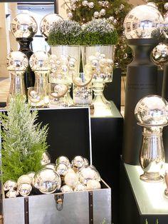 FLOR de LISBOA, christmas decor, hotel lobby, silver, buxus,