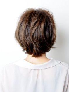 スマートボブ、エアリーショート | BEAUTRIUM 表参道(ビュートリアム オモテサンドウ)のヘアスタイル・髪型・ヘアカタログ - 美美美コム