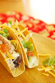 So stinkin easy: Crock Pot chicken and black bean tacos.