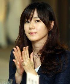 손예진 legendary beauty in Korea Korean Actresses, Korean Actors, Fringe Hairstyles, Cool Hairstyles, My Beauty, Asian Beauty, Stealing Beauty, Girl Korea, Star Hair