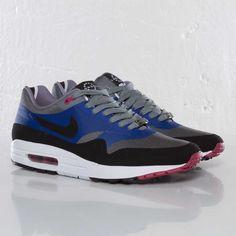 London Baby!!!!   Nike - Air Max 1 London QS - 587921-005 - Sneakersnstuff, sneakers & streetwear online since 1999