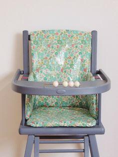 coussin de chaise haute en Liberty enduit Demeure des Anges My Liberty, Liberty Of London, Craft, Kids, Furniture, Flamingo, Home Decor, Messages, Shop