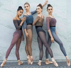 Dance Photography Poses, Dance Poses, Ballet Class, Ballet Dancers, Ballet Wear, Ballerinas, Dance Costumes Ballet, Ballet Fashion, Dance Fashion