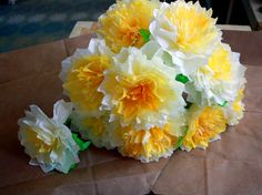 """i know, yet another paper flower DIY, but trust me, """"aunt peaches"""" offers a new (to me) twist and super tut!"""