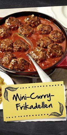 Nicht nur Kinder lieben die Mini-Curry-Frikadellen in würziger Sauce. Wir haben den Klassiker für dich neu interpretiert und noch leckerer gemacht. Probier das Rezept doch gleich mal aus und lass dich davon überzeugen.