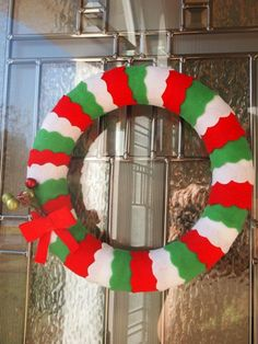 Scalloped Felt Wreath for Christmas