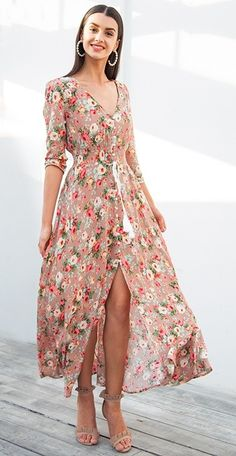Fun and fashionable PINK floral long maxi dress for Spring. #fashion #womensfashion #womenswear #dresses #floral #floralprint #floraldress #pinkfloral #maxidress #bohostyle
