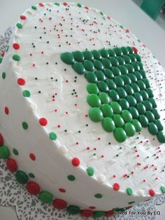 mms-christmas-tree-cake-side-view.jpg (601×800)