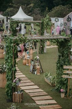 Pernikahan Outdoor ala Dhanita dan Erik di Bumi Sangkuriang - owlsome (300 of 443)