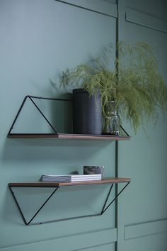 This midcentury modern design wall shelf in black steel and teak can be fixed in two different ways. Shelving Design, Wall Design, House Design, Low Bookshelves, Etagere Design, Recycled Home Decor, Interior Minimalista, Coffee Table Rectangle, Wall Shelves