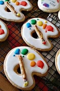 Artist's palette cookies Oh, yeah, now we're cooking! Perfect cookies for a painter! Cute Food, Good Food, Yummy Food, Kunst Party, Yummy Treats, Sweet Treats, Art Party, Cookies Et Biscuits, Cupcake Cookies