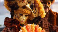 20 de poze cu impresionantul Carnaval de la Venetia 2012.  Vezi mai multe poze pe www.ghiduri-turistice.info  Source : www.flickr.com/photos/coramarco Mai, Samurai, Wallpaper, Carnival, Italia, Wallpapers, Samurai Warrior