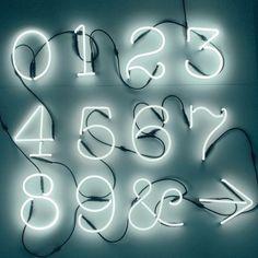 Seletti Lampada a parete Lettere Neon Art Prodotti  Illuminazione  Lampade