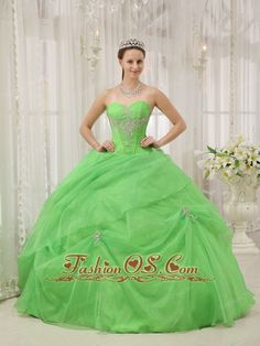 Brand New Spring Green Quinceanera Dress Sweetheart Organza Appliques Ball Gown  http://www.fashionos.com