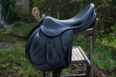 DEVOUCOUX CHIBERTA 18 BLACK FULL CALFSKIN One day I will own a stunning monoflap saddle.