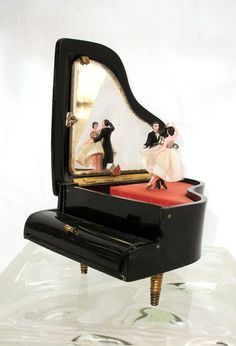 Vintage Ballerina Bride & Groom Dancers Black Lacquered Piano Musical Jewelry…