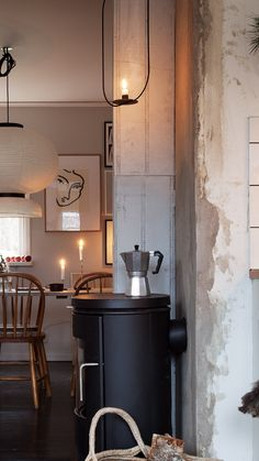 Fika time in the afternoon. Interior design and styling nordic decor inspo scandinavianliving 410601691025218155 Flat Interior, Interior And Exterior, Couch Magazin, Hygge, Beautiful Interior Design, Scandinavian Living, Slow Living, Inspired Homes, Interior Inspiration