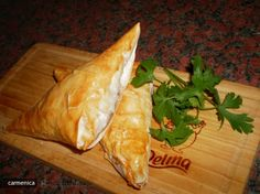 Appetizer pastry with pate and green peas Green Peas, Romania, Turkey, Appetizers, Cooking Recipes, Dishes, Food, Green, Kitchens