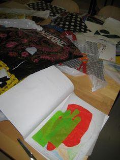 HAAGAKÄSSÄÄ: 5. luokkalaisten muovipussisulatus-töitä ja ohje muovipussisulatukseen Plastic Cutting Board