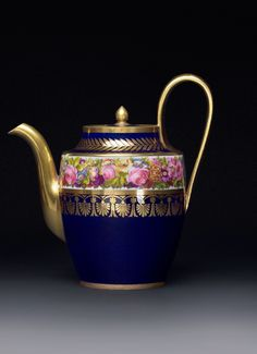 セーブル マグニフィセント ティーポット – CRAFTS DESIGN Design Crafts, Tea Pots, Tableware, Teapot, Dinnerware, Tablewares, Tea Pot, Dishes, Place Settings