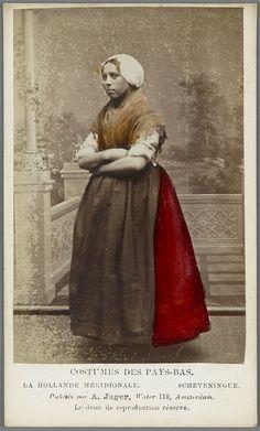 Scheveningen. Costumes des Pays-Bas, photo by A. Jager ca. 1875-1885 #ZuidHolland #Scheveningen
