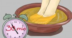 Soak Your Feet in Vinegar Once a Week, And You Will See How All Your Diseases Disappear - Health and Natural Medicine Ab Workout At Home, At Home Workouts, Ab Workouts, Natural Treatments, Natural Remedies, Double Menton, Vinegar And Water, Gut Bacteria, Burn Belly Fat Fast
