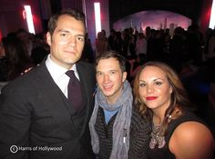 Henry com seu amigo Corey e sua cunhada na premiere em Londres de Batman Vs Superman!!#Superman #AHCB (Créditos na imagem)