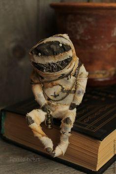 Купить Mummy - бежевый, мумия, египетская мумия, монстрик, чердачные игрушки, чердачные куклы