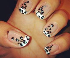 interesting twist on the classic french manicure!