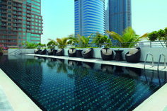 Relaxation in the urban atmosphere of Jumeirah Lakes Towers.